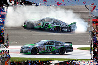 Kyle Busch Burn Out!!